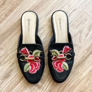 Wild Diva / embroidered floral mules size 8